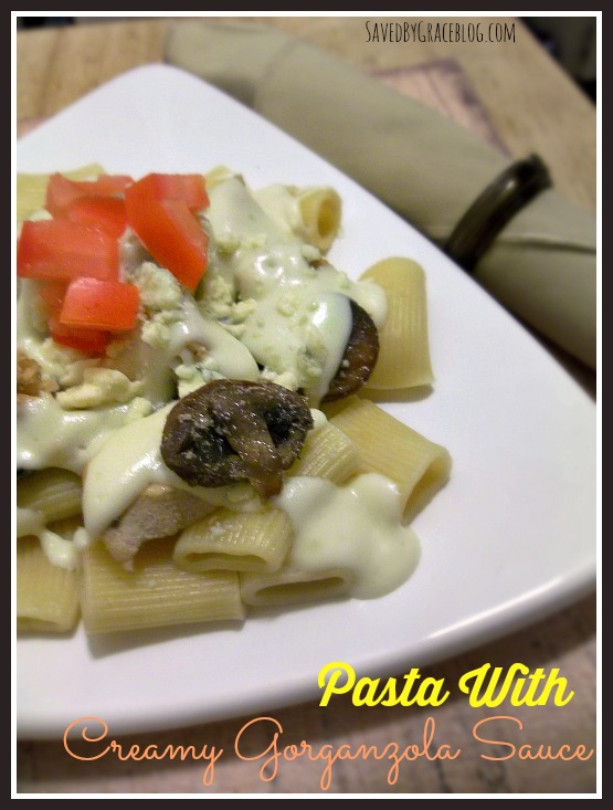Pasta with creamy gorganzola sauce