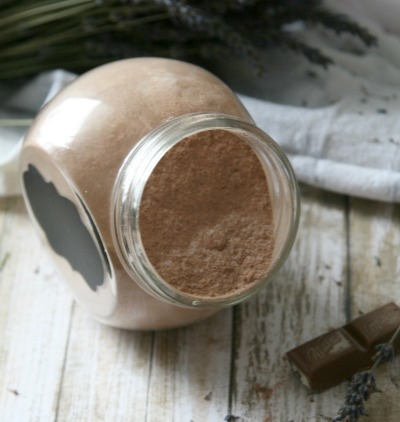 DIY Chocolate Lavender Fizzy Bath Powder- Forget making bath bombs with this easy DIY Recipe for Chocolate Lavender Fizzy Bath Powder for bath time fun!